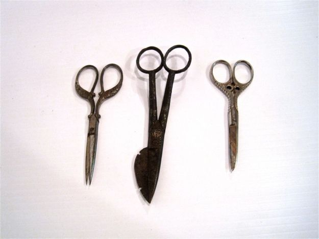 https://www.etsy.com/ca/listing/158954920/instant-collection-antique-scissors