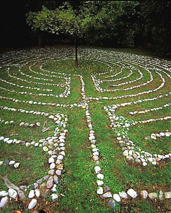 Medaille House Labyrinth, London Ontario - Sandi Spaulding Photographer